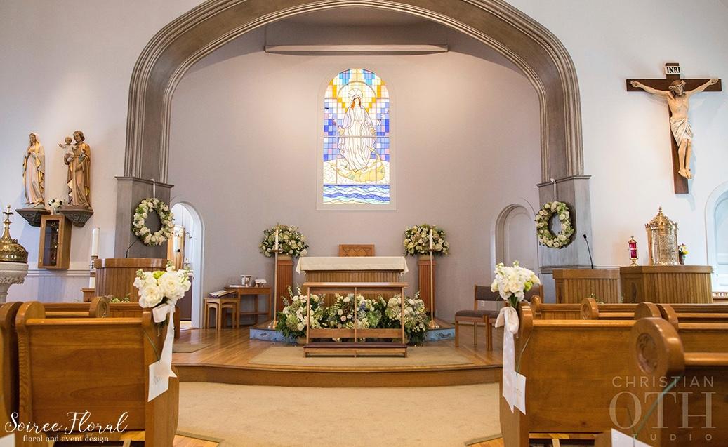 Ceremony-Altar-Florals-Green-White-Hydrangea-Nantucket-Wedding 4