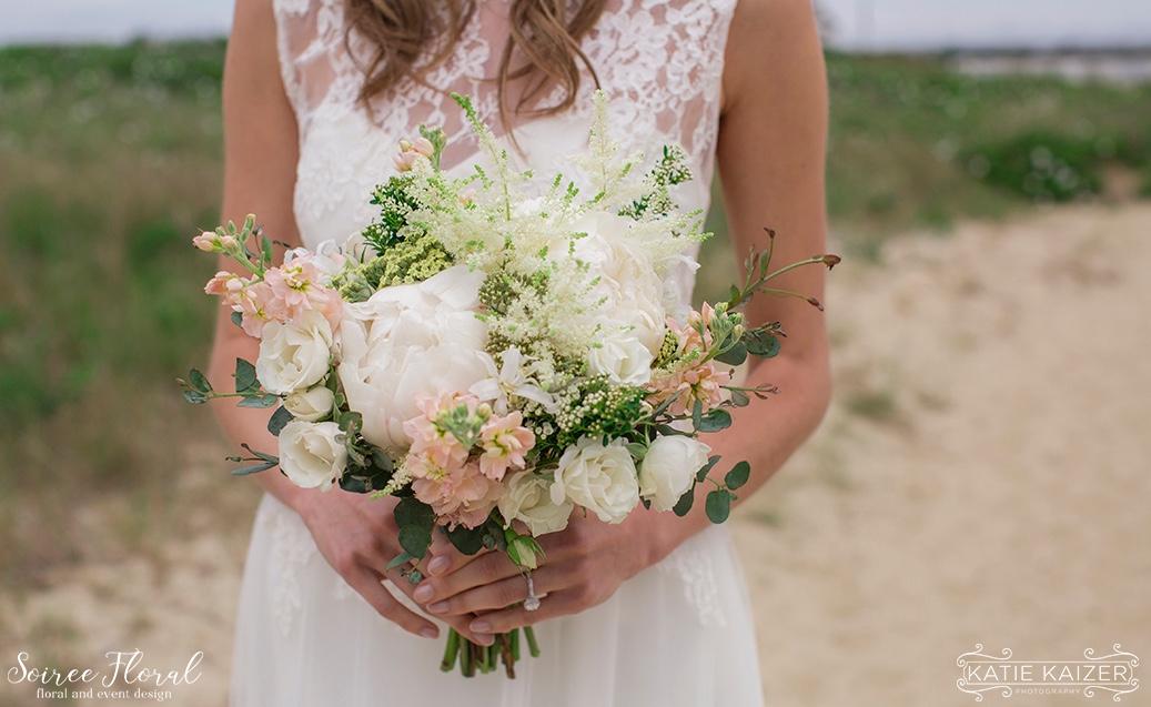Southern New England Weddings Magazine Nantucket Shoot Soiree Floral 4