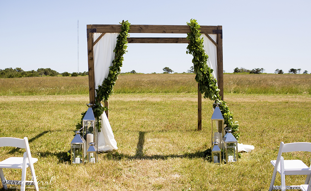 nantucket-ceremony-at-bartlett-farm1