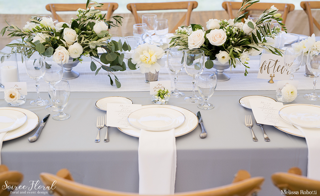 nantucket-wedding-bartlett-farm-soiree-floral
