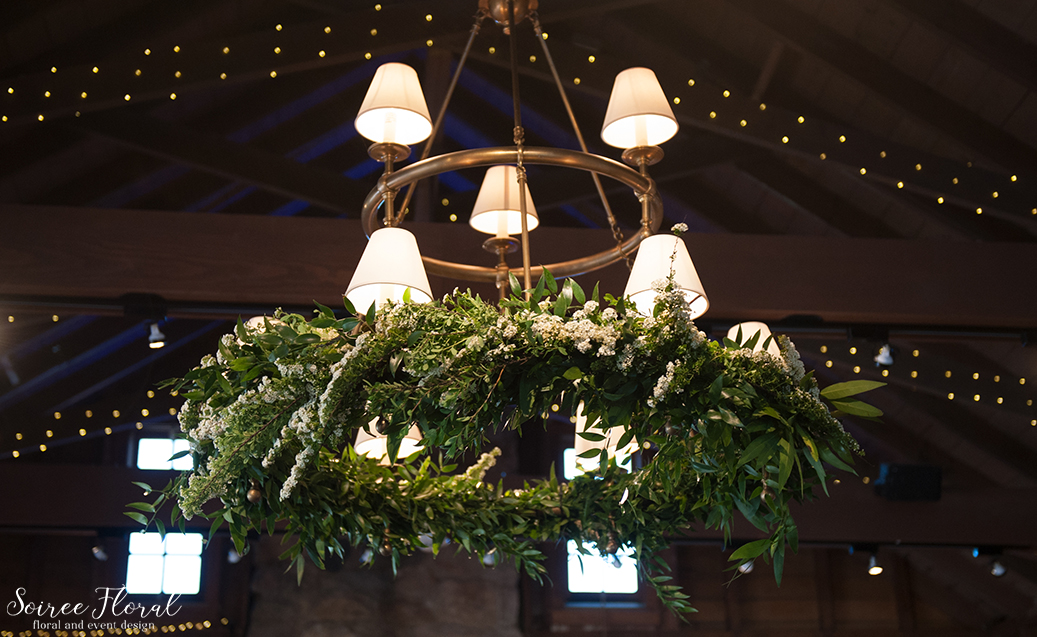 Sankty Golf Club Wedding – Soiree Floral – Chandelier