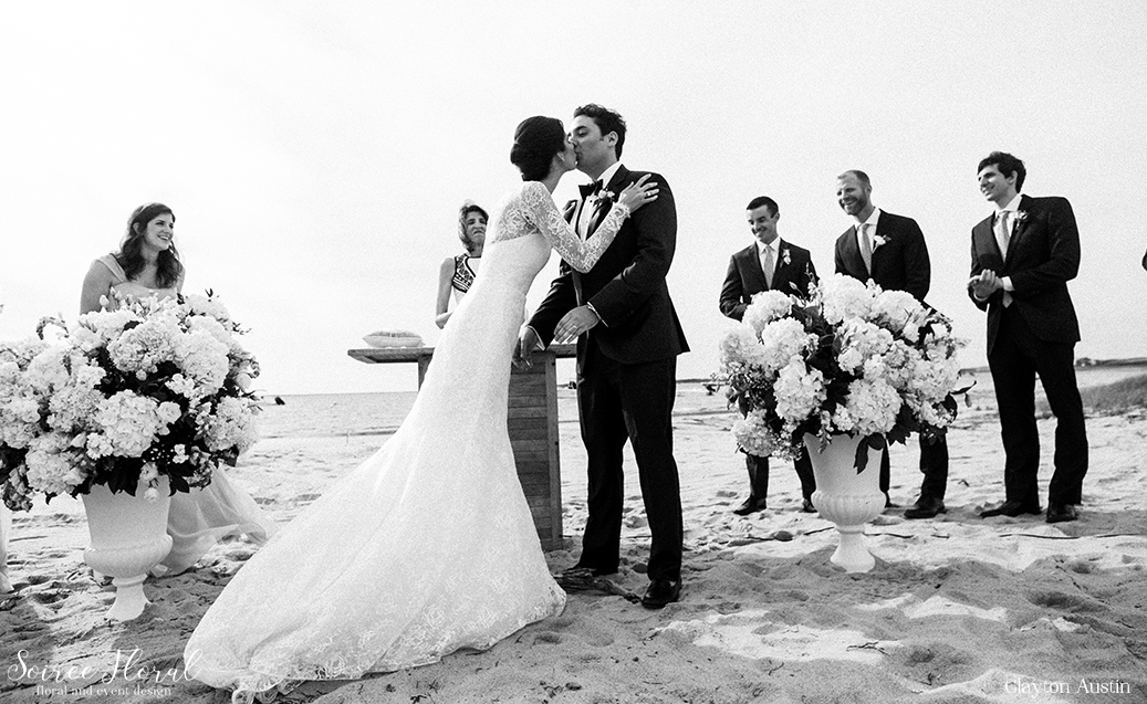 White and Green – Wauwinet Nantucket Wedding – Soiree Floral7