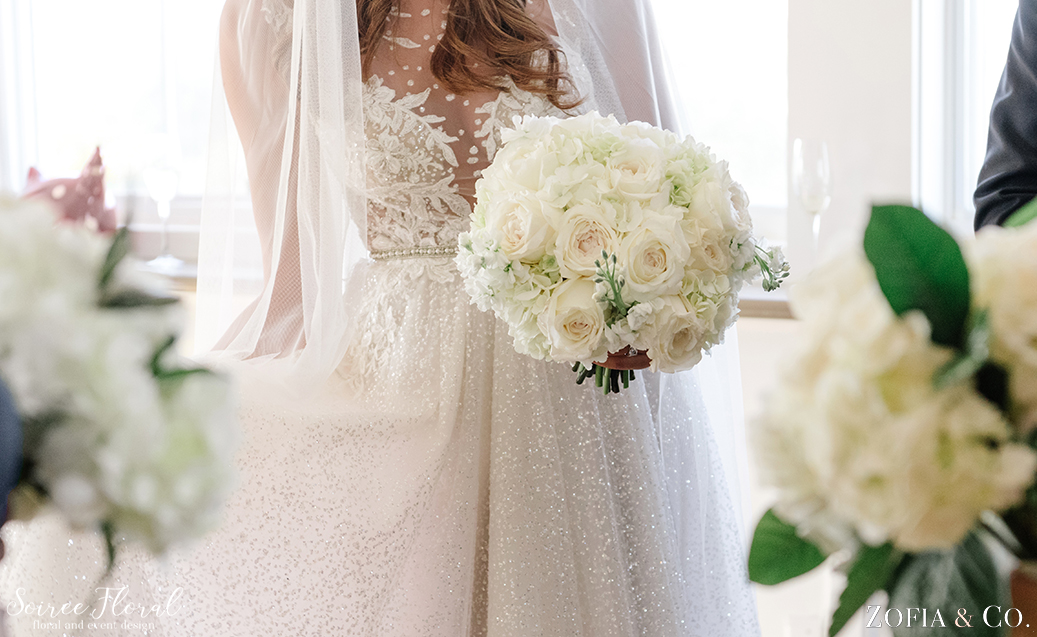 White Wedding Flowers – Nantucket Wedding – Soiree Floral – Zofia Photo 1