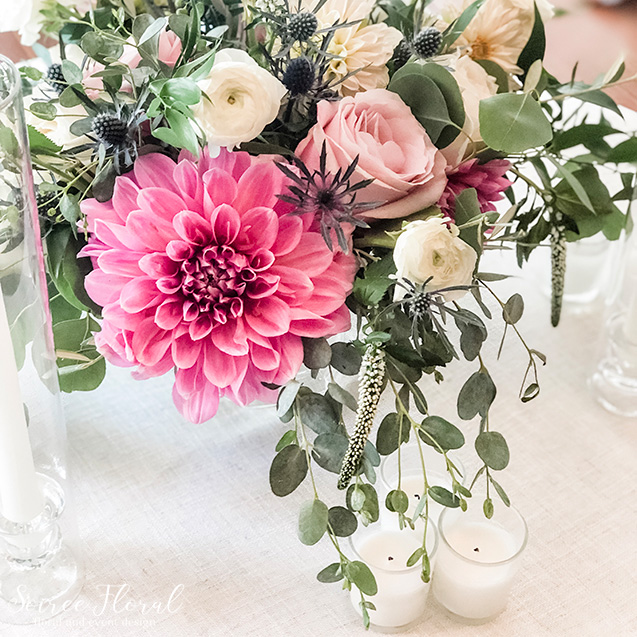 blush green centerpiece